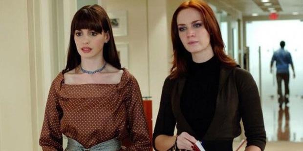 """Quên Lily Collins """"sáng ngây ngô, tối giựt bồ"""" đi, có một nàng Emily này mới thực sự xứng đáng được đến Paris cơ! - Ảnh 3."""