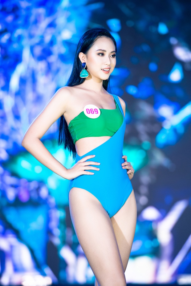 40 thí sinh HHVN đốt cháy phần thi bikini: Hội gây choáng với vòng 1 khủng, Hoa khôi Ngoại thương lộ khuyết điểm - Ảnh 7.