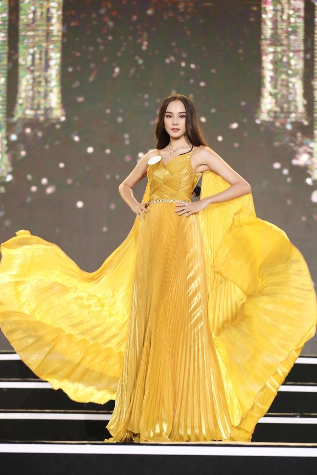 Công bố kết quả vòng Bán kết Hoa hậu Việt Nam 2020: Đã tìm ra 35 thí sinh đẹp nhất, ai sẽ là chủ nhân của vương miện cao quý? - Ảnh 4.