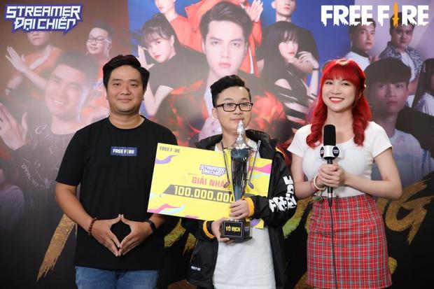 Game thủ Free Fire 16 tuổi rinh giải vô địch 100 triệu, lấy tiền giúp mẹ chữa bệnh - Ảnh 2.