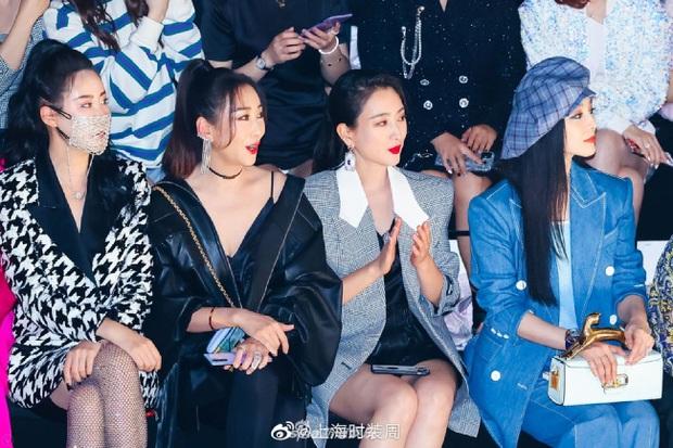 Nữ hoàng giải trí Phạm Băng Băng chơi trội tại sự kiện, lu mờ loạt mỹ nhân với nhan sắc và thần thái hạng A Cbiz - Ảnh 2.