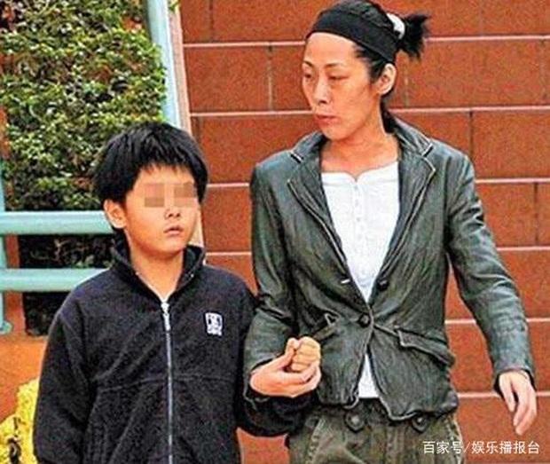 Diva Hong Kong đánh mất sự nghiệp vì sinh con cho sư thầy: Bị người tình ruồng rẫy, đòi tự tử, hết tiền phải ngủ ngoài đường - Ảnh 7.
