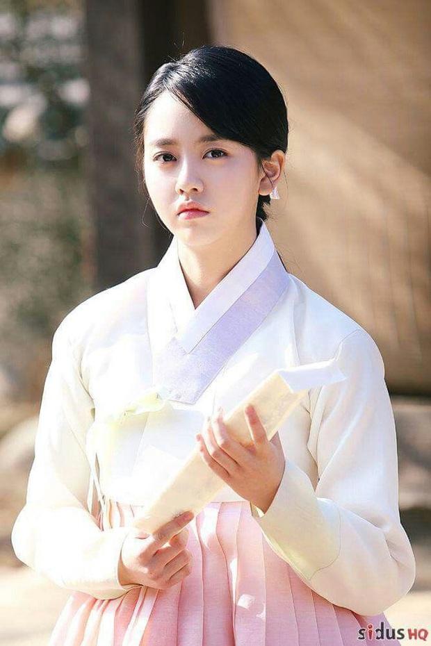 10 lần sao Hàn gặp tai nạn nghiêm trọng ở phim trường: Lee Min Ho bay móng chân vì lao vào bùn, Kim Hae Ae xém bị sóng cuốn mất xác - Ảnh 10.