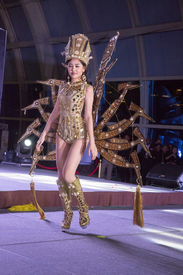 Trang phục dân tộc gây tranh cãi nhất lịch sử các cuộc thi: Sốc nhất là bầu ngực giả lộ thiên của Miss Universe Thailand 2020 - Ảnh 11.