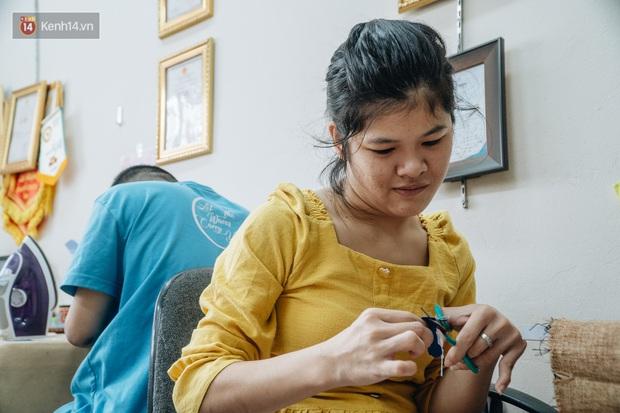 Anh giám đốc đặt tên Vụn cho doanh nghiệp, đi hết 17 phường của quận Hà Đông để chiêu mộ người khuyết tật biến rác thành vàng - Ảnh 10.