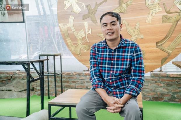 Anh giám đốc đặt tên Vụn cho doanh nghiệp, đi hết 17 phường của quận Hà Đông để chiêu mộ người khuyết tật biến rác thành vàng - Ảnh 2.