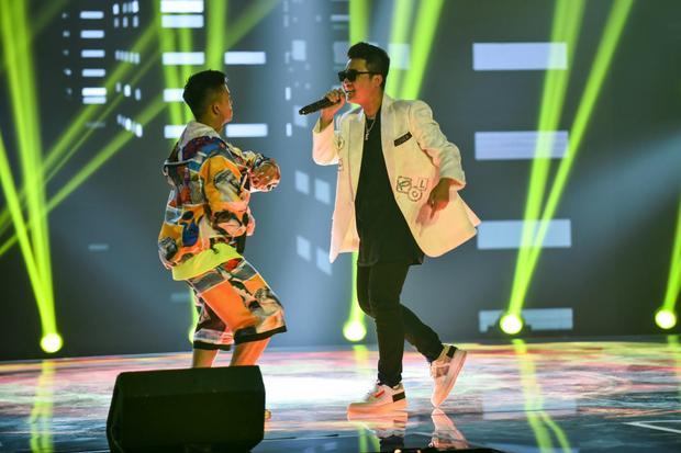 King Of Rap: HIEUTHUHAI mượn rượu tỏ tình Emily, Erik - Bùi Lan Hương gây sốt khi kết hợp với các thí sinh - Ảnh 6.