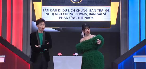DJ Mie yêu cầu bạn trai Hồng Thanh ngủ ở ghế sofa khi đi du lịch - Ảnh 2.