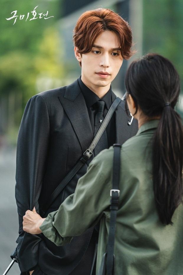 Bạn Trai Tôi Là Hồ Ly hút fan vì Lee Dong Wook nhưng nội dung cứ như đi cóp nhặt từ Goblin và Hotel Del Luna? - Ảnh 19.