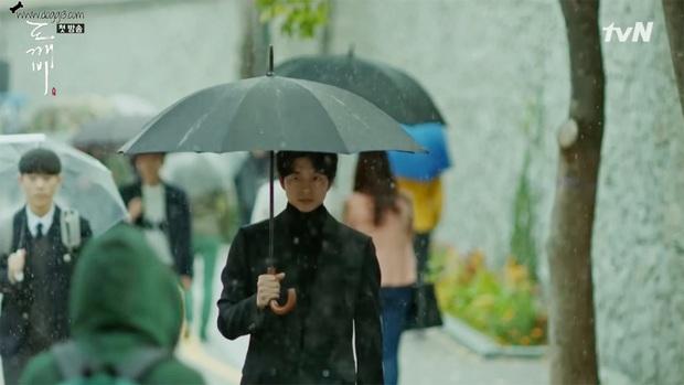Bạn Trai Tôi Là Hồ Ly hút fan vì Lee Dong Wook nhưng nội dung cứ như đi cóp nhặt từ Goblin và Hotel Del Luna? - Ảnh 15.