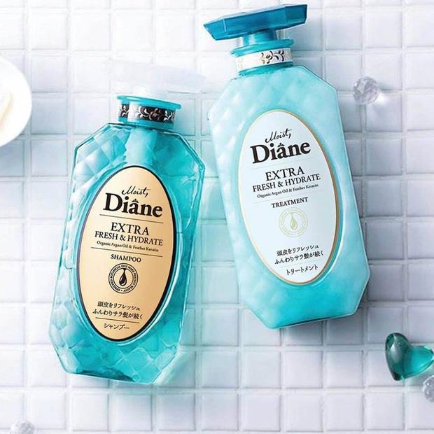 Nếu không muốn tóc rụng triền miên cả búi thì bạn nên tìm đến 5 loại dầu gội không chứa silicon này - Ảnh 9.