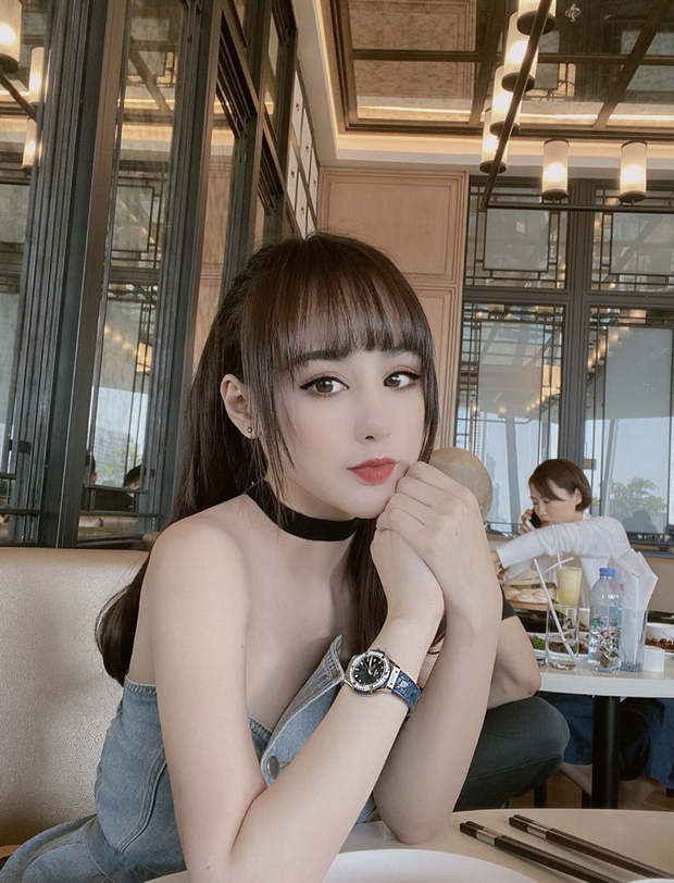 Một phút hớ hênh: Bạn gái hotgirl của Karik lộ mặt khi lên sóng truyền hình, khác biệt quá lớn khiến netizen la ó - Ảnh 4.