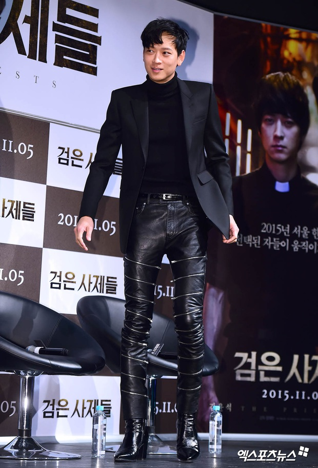 Loạt ảnh cũ của thánh sống leo top Naver: Ngã ngửa khi nhìn xuống chân, cả xứ Hàn có lẽ chỉ mình anh cân được! - Ảnh 4.
