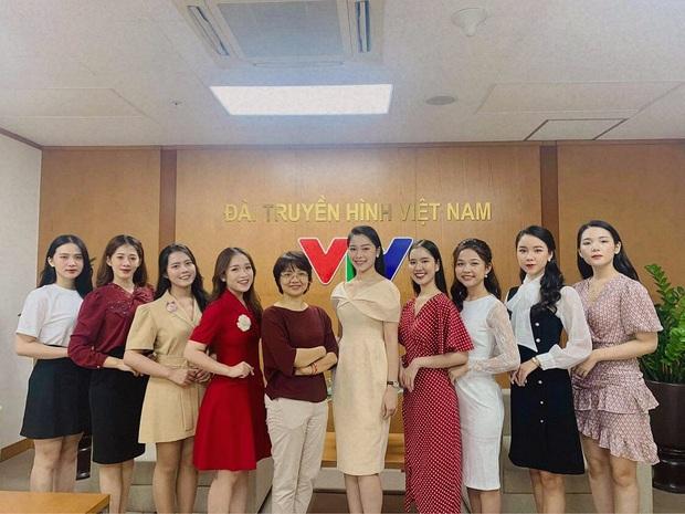 Top 5 Hoa khôi trường Báo từ chối lời mời tham dự Hoa hậu, quyết thử sức với vị trí BTV tại Đài truyền hình Việt Nam - Ảnh 5.