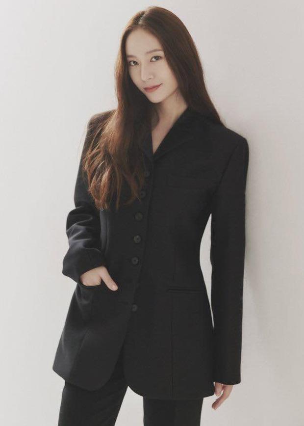 NÓNG: Krystal chính thức rời SM, đóng lại kỷ nguyên của f(x) sau 11 năm, liệu có về cùng nhà với chị gái Jessica? - Ảnh 3.
