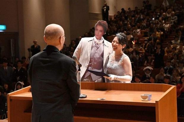 Dân mạng cười xỉu với những pha cosplay trong ngày tốt nghiệp của sinh viên ĐH Nghệ thuật Kyoto - Ảnh 10.