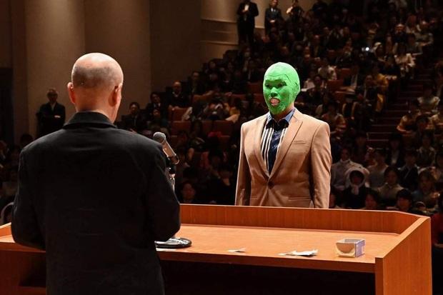 Dân mạng cười xỉu với những pha cosplay trong ngày tốt nghiệp của sinh viên ĐH Nghệ thuật Kyoto - Ảnh 12.