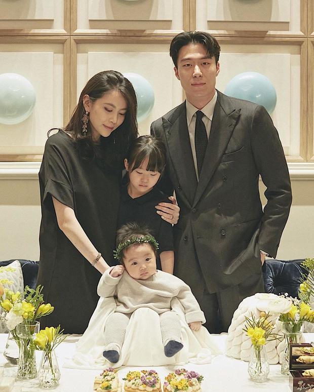 Ông bố bỉm sữa cao 1m92 hot nhất Hàn Quốc từng gây bão MXH cách đây 4 năm bây giờ ra sao? - Ảnh 4.