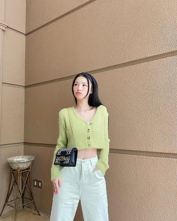 Instagram look xịn của sao Việt tuần qua: Ngọc Trinh lên đồ gợi cảm, cô em Chi Pu cũng bạo chẳng kém  - Ảnh 7.