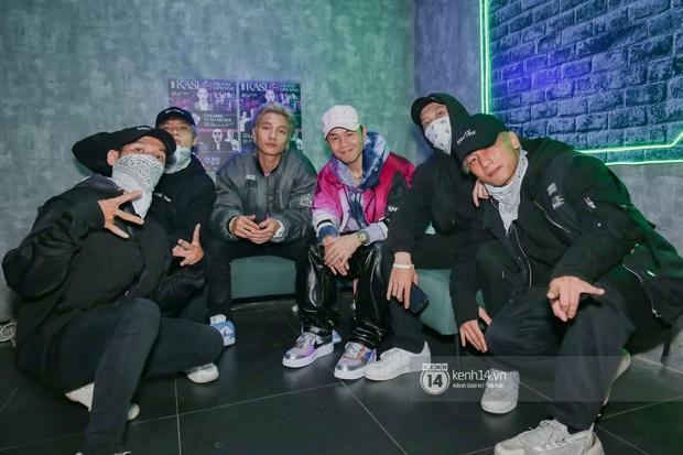 1 ngày sau khi bị loại, Binz rủ rê 16 Typh cùng rap Bigcityboi trên sân khấu, nguyên dàn thí sinh Rap Việt bất ngờ đến chung vui! - Ảnh 3.