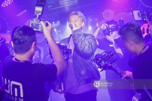 1 ngày sau khi bị loại, Binz rủ rê 16 Typh cùng rap Bigcityboi trên sân khấu, nguyên dàn thí sinh Rap Việt bất ngờ đến chung vui! - Ảnh 7.