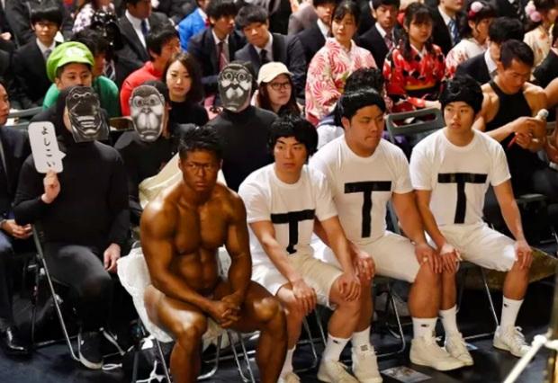 Dân mạng cười xỉu với những pha cosplay trong ngày tốt nghiệp của sinh viên ĐH Nghệ thuật Kyoto - Ảnh 18.