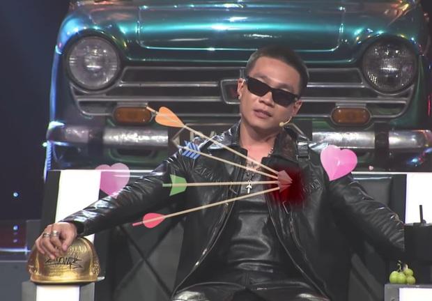 Wowy bị chọc ghẹo vì lơ ngơ suốt tập 11 Rap Việt, sốt cao nhưng cố phải tỏ ra bình tĩnh - Ảnh 1.