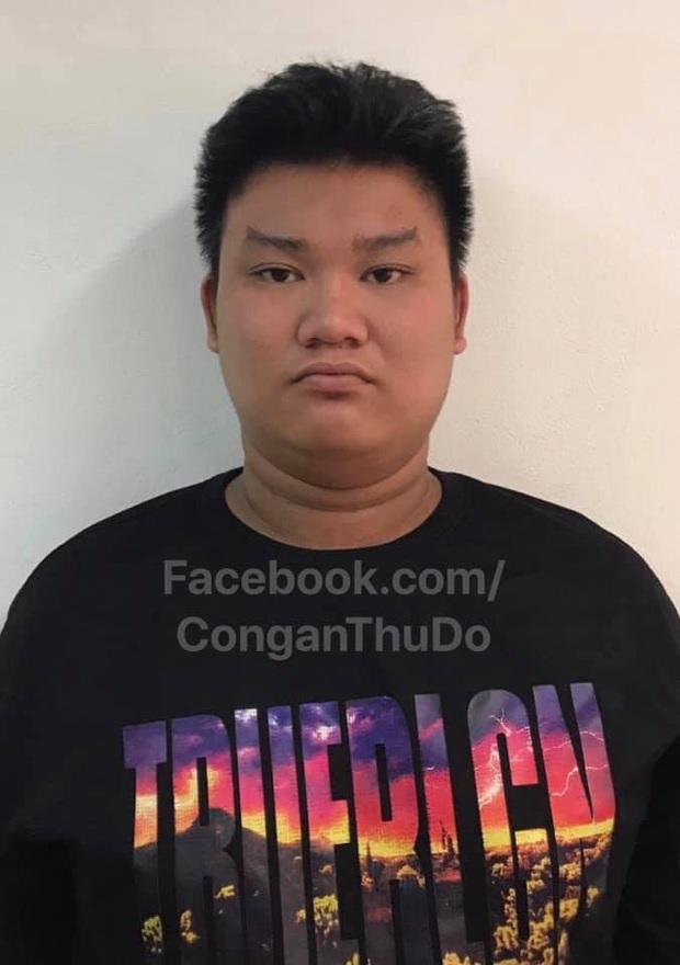 Khởi tố vụ án, tạm giữ hình sự tài xế 18 tuổi điều khiển ô tô điên đâm hàng loạt phương tiện khiến 1 người tử vong ở Hà Nội - Ảnh 1.