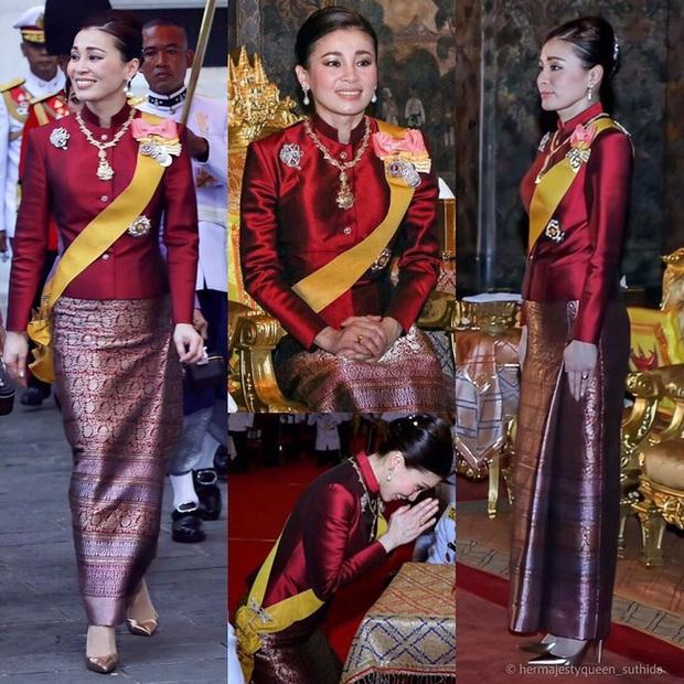 Hoàng quý phi Thái Lan xuất hiện lần đầu tiên sau khi được phục vị, đáng chú ý là biểu hiện của Hoàng hậu Suthida - Ảnh 11.