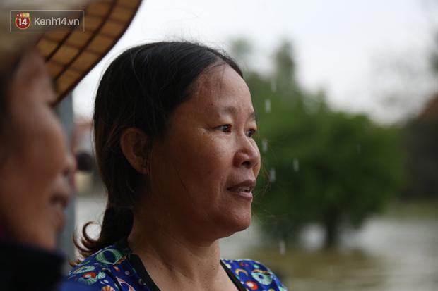 Người dân 5 ngày ăn cháo trắng kèm muối, đêm không dám ngủ trong trận lũ lịch sử ở Quảng Bình - Ảnh 3.