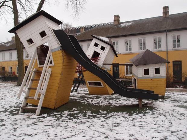 Tuyển tập những sân chơi trẻ em trông chán đời và trầm cảm nhất quả đất - Ảnh 3.