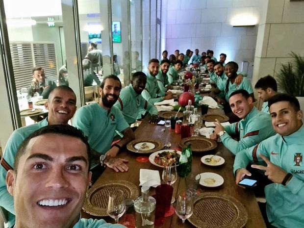 NÓNG: Cristiano Ronaldo dương tính với COVID-19 - Ảnh 2.