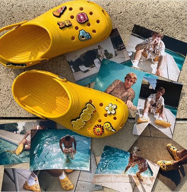 Justin Bieber x Crocs: Màn collab lớn nhất từ trước tới nay của hãng dép đi mưa - Ảnh 1.