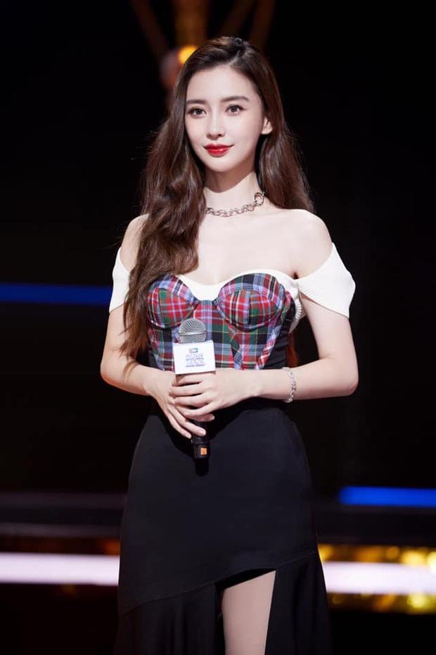 Jisoo, Angela Baby nặng duyên đụng hàng: Hoa hậu Hàn thất thế vì bị stylist dí cho bộ hơi lôm côm - Ảnh 5.