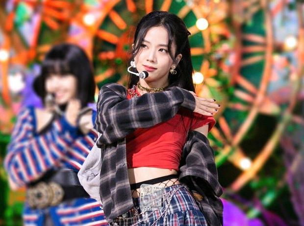 BLACKPINK hát live xuất sắc nhưng thành viên Knet ấn tượng nhất là Jisoo, thừa nhận sai lầm bấy lâu đã ngó lơ tài năng của cô nàng - Ảnh 5.