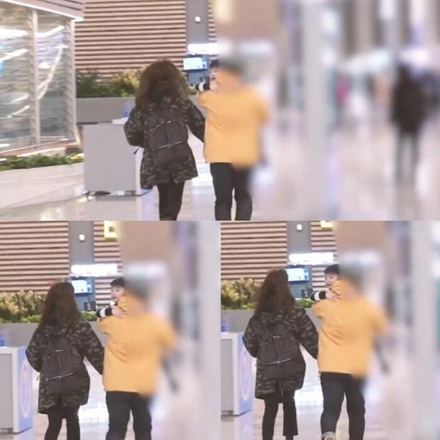 2 nhóc tỳ bí ẩn nhưng hot nhất Kbiz: Con trai Lee Byung Hun gây sốt vì quá soái, con gái Bi Rain lên top Naver dù... không lộ mặt - Ảnh 11.