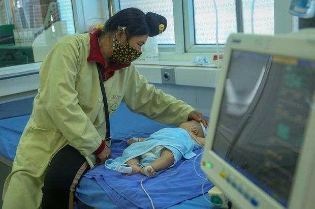Vụ bé gái 2 tháng tuổi tử vong sau khi tiêm vắc xin ở Sơn La: 4 trẻ nhỏ khác cũng phải nhập viện, đang được theo dõi - Ảnh 5.