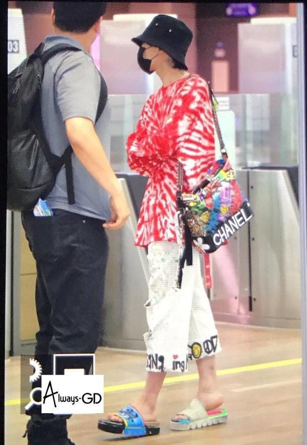 9 thảm họa sân bay Kbiz: Dàn Running Man kín chảy mỡ giữa hè, G-Dragon bịt mắt hay thím Heechul phải quỳ vì thánh hài BTOB - Ảnh 3.