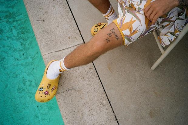 Justin Bieber x Crocs: Màn collab lớn nhất từ trước tới nay của hãng dép đi mưa - Ảnh 10.