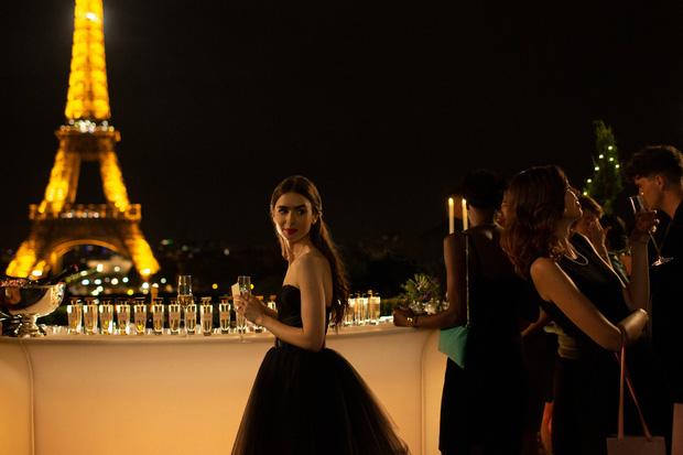 """Ngồi kể tội Emily Ở Paris: Đã giật bồ bạn còn """"tòm tem"""" em trai chưa 18, chưa bị đánh ghen là may lắm! - Ảnh 10."""