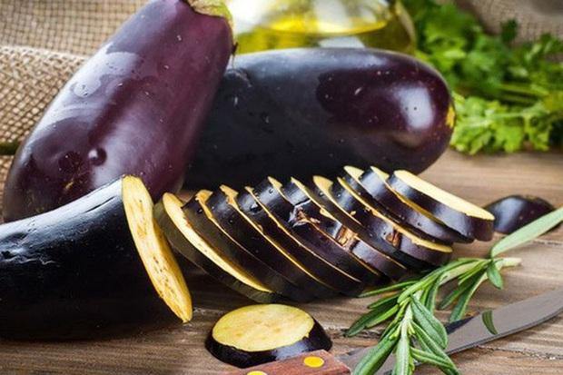 Có những loại rau củ nếu chế biến không đúng cách sẽ dễ gây tăng cân hơn ăn thịt, thay đổi một chút trong nấu nướng bạn sẽ yên tâm hơn khi ăn - Ảnh 2.