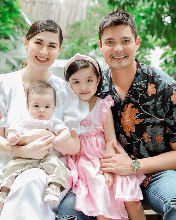 """Mỹ nhân đẹp nhất Philippines khoe ảnh gia đình """"sốc visual"""", bé Zia chiếm trọn spotlight: Xinh thế này bảo sao cát xê khủng hơn cả mẹ - Ảnh 2."""