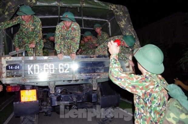 Phó Tư lệnh Quân khu 4 cùng 12 cán bộ, chiến sĩ gặp nạn khi cứu hộ Thủy điện Rào Trăng 3 - Ảnh 1.