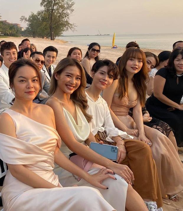 2 lần Minh Hằng khoe vòng 1 dự đám cưới: Bộ tại lễ cưới Đông Nhi nhìn nền nã hóa ra cũng có khoảnh khắc hú hồn - Ảnh 5.
