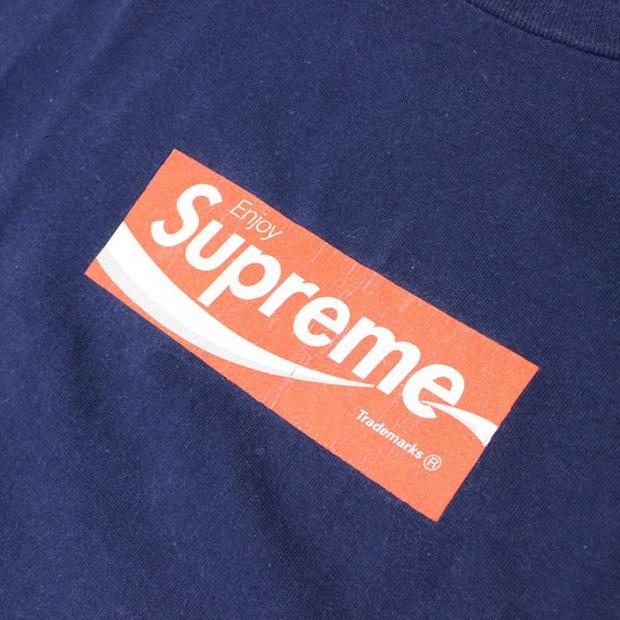 11 chiếc áo thun Supreme được thèm muốn nhất mọi thời đại: Rẻ nhất cũng vài chục triệu, đắt nhất gần 500 triệu VNĐ - Ảnh 9.