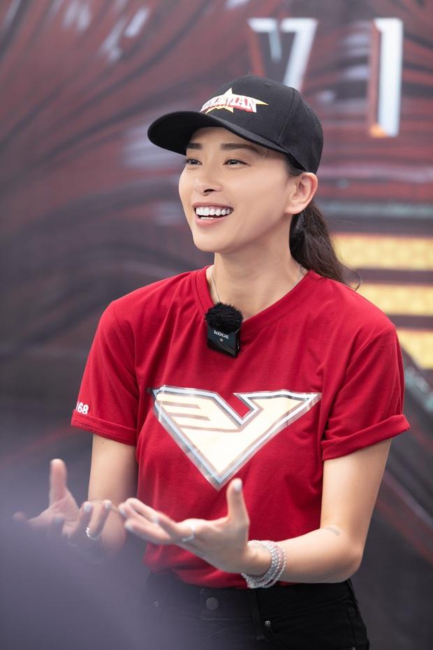 Tập đoàn nam thần showbiz Việt đổ bộ buổi casting phim siêu anh hùng VINAMAN, netizen chấm nhất Vĩnh Thụy rồi nhé! - Ảnh 1.