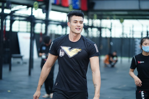 Tập đoàn nam thần showbiz Việt đổ bộ buổi casting phim siêu anh hùng VINAMAN, netizen chấm nhất Vĩnh Thụy rồi nhé! - Ảnh 4.