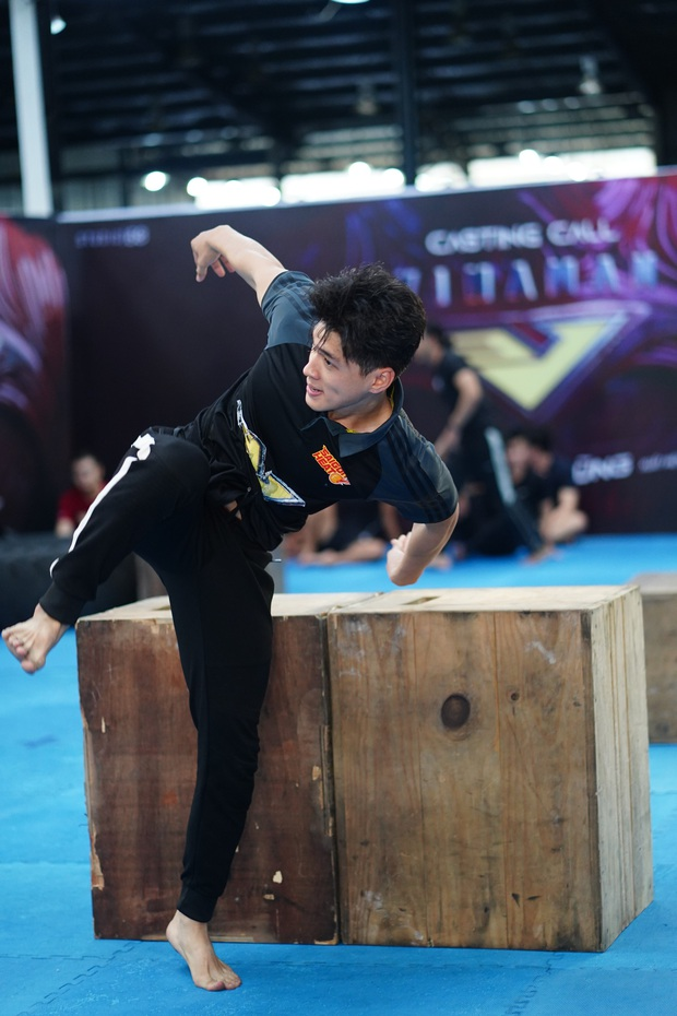 Tập đoàn nam thần showbiz Việt đổ bộ buổi casting phim siêu anh hùng VINAMAN, netizen chấm nhất Vĩnh Thụy rồi nhé! - Ảnh 14.