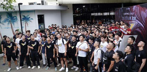Tập đoàn nam thần showbiz Việt đổ bộ buổi casting phim siêu anh hùng VINAMAN, netizen chấm nhất Vĩnh Thụy rồi nhé! - Ảnh 3.
