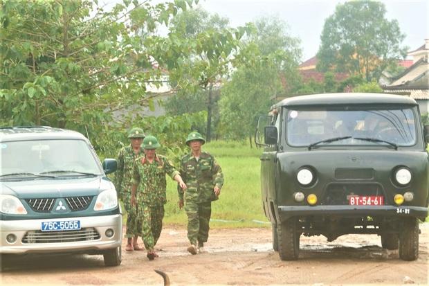 Sự cố Thủy điện Rào Trăng 3: Quân đội chủ trì việc giải cứu, đang mở đường vào hiện trường tìm 30 người mất tích - Ảnh 4.